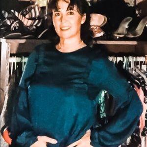 A Francesca's blouse. Lovely color of deep Pine.